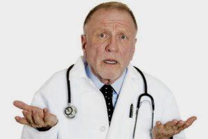 врач разводит руками