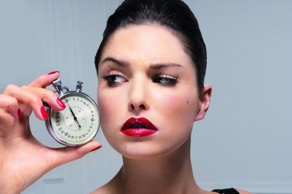 Во сколько начинается климакс у женщин : средний возраст наступления менопаузы