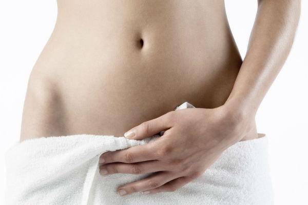 Сухость в интимной зоне у женщин: причины и лечение дискомфорта и жжения